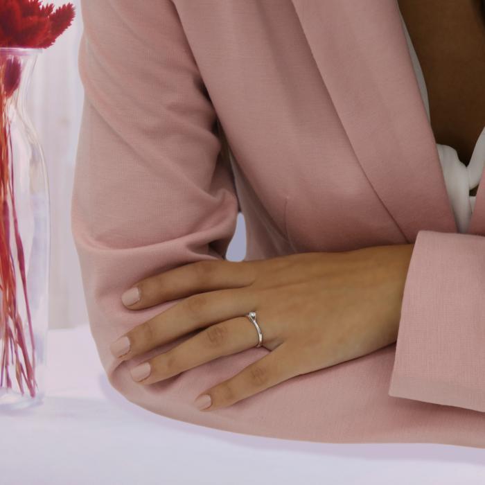 Μονόπετρο Δαχτυλίδι Λευκόχρυσος Κ18 με Διαμάντι
