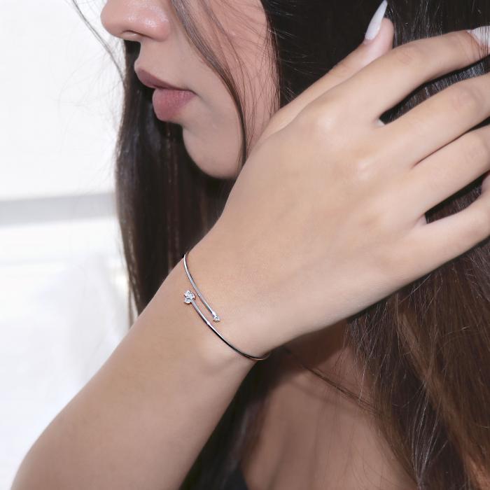 Βραχιόλι Χειροπέδα Λευκόχρυσος Κ18 με Διαμάντια