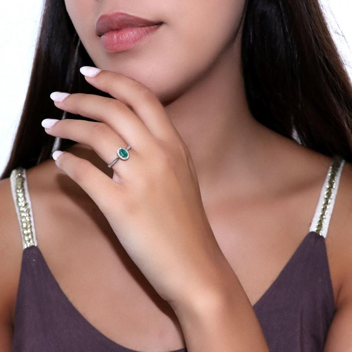 SKU-47153 /  Δαχτυλίδι Λευκόχρυσος Κ18 με Σμαράγδι & Διαμάντια