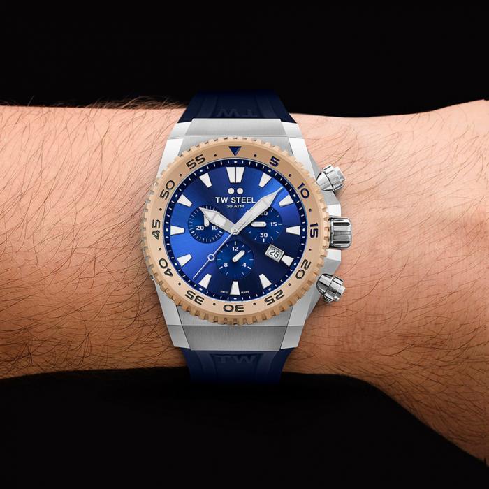 SKU-47168 / TW STEEL Ace Diver Chronograph Blue Rubber Strap
