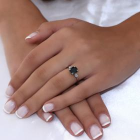 Δαχτυλίδι Λευκόχρυσος Κ18 με Ζαφείρι & Διαμάντια Δαχτυλίδια