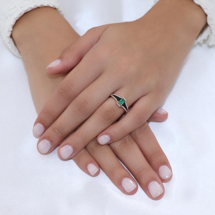 Δαχτυλίδι Ροζ Χρυσός Κ18 με Σμαράγδι, Διαμάντια & μαύρο Σμάλτο.