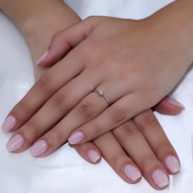 Μονόπετρο Δαχτυλίδι Λευκόχρυσος Κ18 με Διαμάντι Μονόπετρα