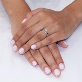 Μονόπετρο Δαχτυλίδι Λευκόχρυσος Κ18 με Διαμάντια Μονόπετρα