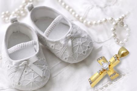 Γυναικεία κοσμήματα, μονόπετρα, σταυροί βάπτισης, δαχτυλίδια, κολιέ σκουλαρίκια